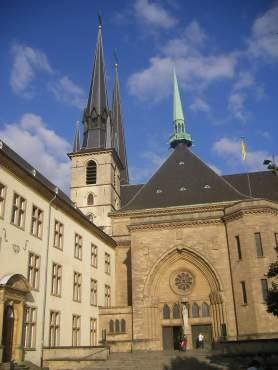 """""""Luxembourg ligger nummer 3 på listen over lande, hvor det er lettest at skjule sine penge i skattely"""" (Berlingske Business 04-10-2014)"""