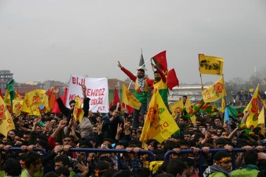 Kurdere fejrer Newroz i Istanbul