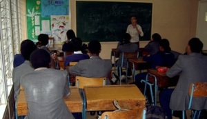 lone_thoft_underviser_kenya